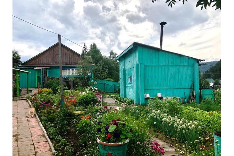 Продам дом 72 м.кв. в пос. Большой Унгут Манского района с площадью участка 20 сот.